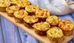 Tortine salate di zucchine: soffici e filanti, si preparano in pochissimo tempo!