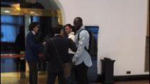 Calciomercato Inter, Lukaku pronto per le visite: le immagini in albergo