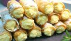 Cannoli croccanti alla crema: un dessert da leccarsi i baffi