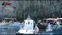 Sui fondali della Grotta Azzurra di Capri recuperati dieci chili di spazzatura