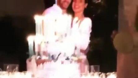 Andrea Iannone compie 30 anni, il taglio della torta con Giulia De Lellis