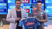 Calciomercato Napoli, Lozano si presenta e sceglie la maglia numero 11
