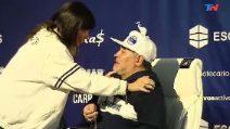 Il regalo è emozionante: Maradona scoppia in lacrime