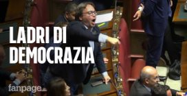 """Camera, caos in Aula mentre parla Brescia (M5s). La Lega protesta: """"Ladri di democrazia"""""""