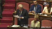 """Senato, Monti: """"Voto la fiducia, ma sono in imbarazzo"""""""