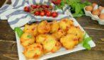 Frittelle al pomodoro facili e veloci: pronte in pochissimi minuti, andranno a ruba!