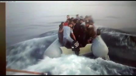 La versione turca (tagliata) dell'attacco al gommone dei profughi