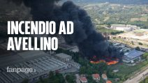 """Incendio in una fabbrica ad Avellino: """"Siamo scappati con i bambini"""""""