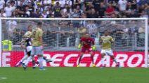 Serie A, Juve-Spal: il bellissimo gol del vantaggio di Pjanic
