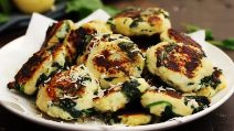 Spinach and garlic potato patties: easy, quick and very good