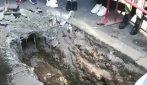 Roma, macabro ritrovamento a Piramide: uno scheletro umano affiora in un cantiere