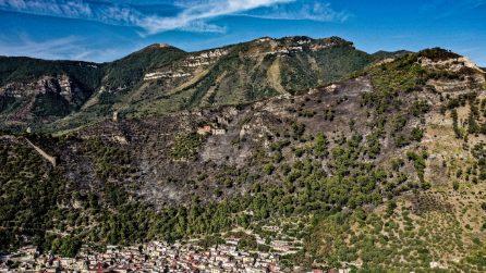 """Incendio a Sarno: """"Abbiamo paura ci possa essere un'altra frana, basta un temporale"""""""