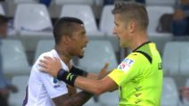 Insulti razzisti a Dalbert, Atalanta-Fiorentina si ferma
