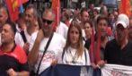 Napoli, corteo operai Whirlpool: in piazza anche il sindaco De Magistris e Potere al Popolo