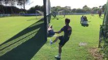 Il supergol di Elmas in allenamento: tira da dietro la porta e insacca il pallone in rete