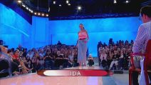 Uomini e Donne 9 ottobre: Ida sfila in jeans, Barbara attacca Armando- Video Witty TV