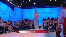 Uomini e Donne 9 ottobre: Ida sfila in jeans, Barbara attacca Armando- Video Witty TV