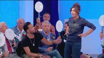 Uomini e Donne 9 ottobre: Armando boccia Barbara alla sfilata in jeans - Video Witty TV