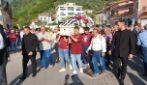 A San Mango i funerali di Melissa, la ragazza di 16 anni morta in classe
