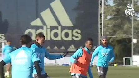 Il tocco di classe di Luka Modric: le immagini durante gli allenamenti