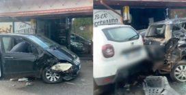 Furgone contro tre auto, un bar danneggiato: le immagini del disastro