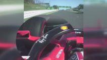 Formula1, Leclerc a 300km/h guida 'tenendo' lo specchietto