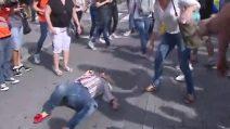 Catalogna, aggressione a una donna con la bandiera della Spagna