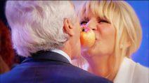 Anticipazioni Uomini e Donne 15 ottobre: il gioco della mela tra Gemma e Jean Pierre