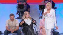 """Uomini e Donne, Tina contro Gemma: """"La caduta della dentiera"""""""