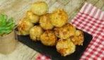 Potato and almonds balls: you won't be able to stop at one!