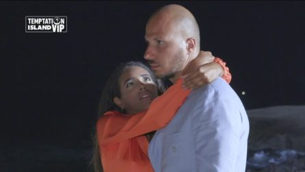 """Silvia rincorre Gabriele e lui decide di perdonarla: """"Esco con lei ma non lo merita"""""""