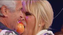 """Uomini e Donne, """"Il tempo delle mele"""" di Gemma e Jean Pierre"""