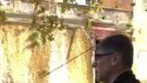 """Rifiuti a Miano, Don Patriciello: """"Nostro dovere difendere il quartiere e i bambini"""""""