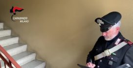Rozzano, donna trovata morta per overdose sulle scale di un palazzo: arrestato l'ex amante