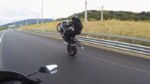 Guida spericolata in moto e poi lo schianto a 180 km/h: la blogger russa rischia grosso