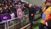 Commisso, l'abbraccio dei tifosi dopo Sassuolo-Fiorentina