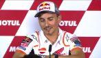 MotoGP, Jorge Lorenzo annuncia il ritiro: l'applauso dei piloti
