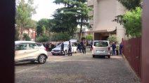 Funerali di Luca Sacchi, l'arrivo della bara nella chiesa del santissimo nome di Maria