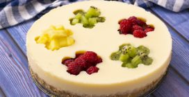 Fruit cheesecake: how to make them with plastic bottle!
