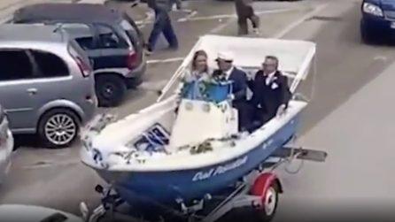 Foggia, matrimonio in motoscafo: il singolare corteo