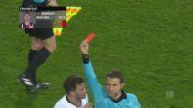 Mega rissa in Bundesliga: Abraham abbatte allenatore avversario