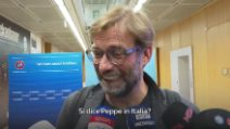 "Jurgen Klopp burlone: ""Sta arrivando Guardiola"". E fugge dai cronisti"