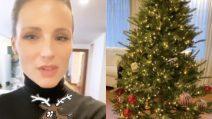 Michelle Hunziker prepara l'albero di Natale con Sole e Celeste