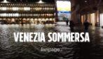 Maltempo a Venezia, la città è sommersa dall'acqua: morte 2 persone. E oggi nuova piena record