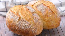Pane fatto in casa: come ottenerlo alto e soffice con un trucco facile e veloce!