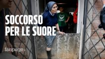 """Acqua alta a Venezia, ragazzi in soccorso delle suore: """"Che bello vedere i volontari"""""""
