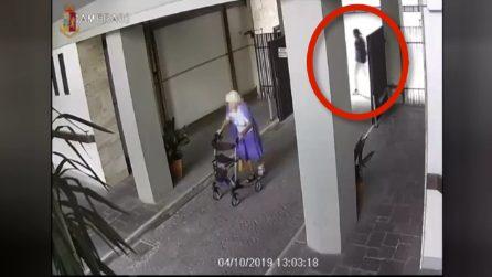 Firenze, alle spalle dell'anziana col deambulatore sbuca un uomo: rapina nel cortile di casa
