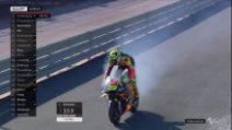 MotoGP, l'Aprilia di Iannone va a fuoco nei test di Valencia