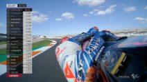 Valentino Rossi, fumo dalla Yamaha nei test di Valencia