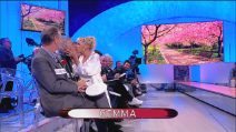 Uomini e Donne, Gemma Galgani seduce e bacia Juan Luis Ciano